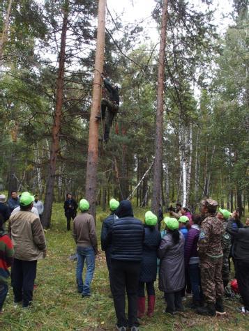 ukázka stromolezectví