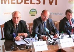 Tisková konference k ochraně zemědělské půdy