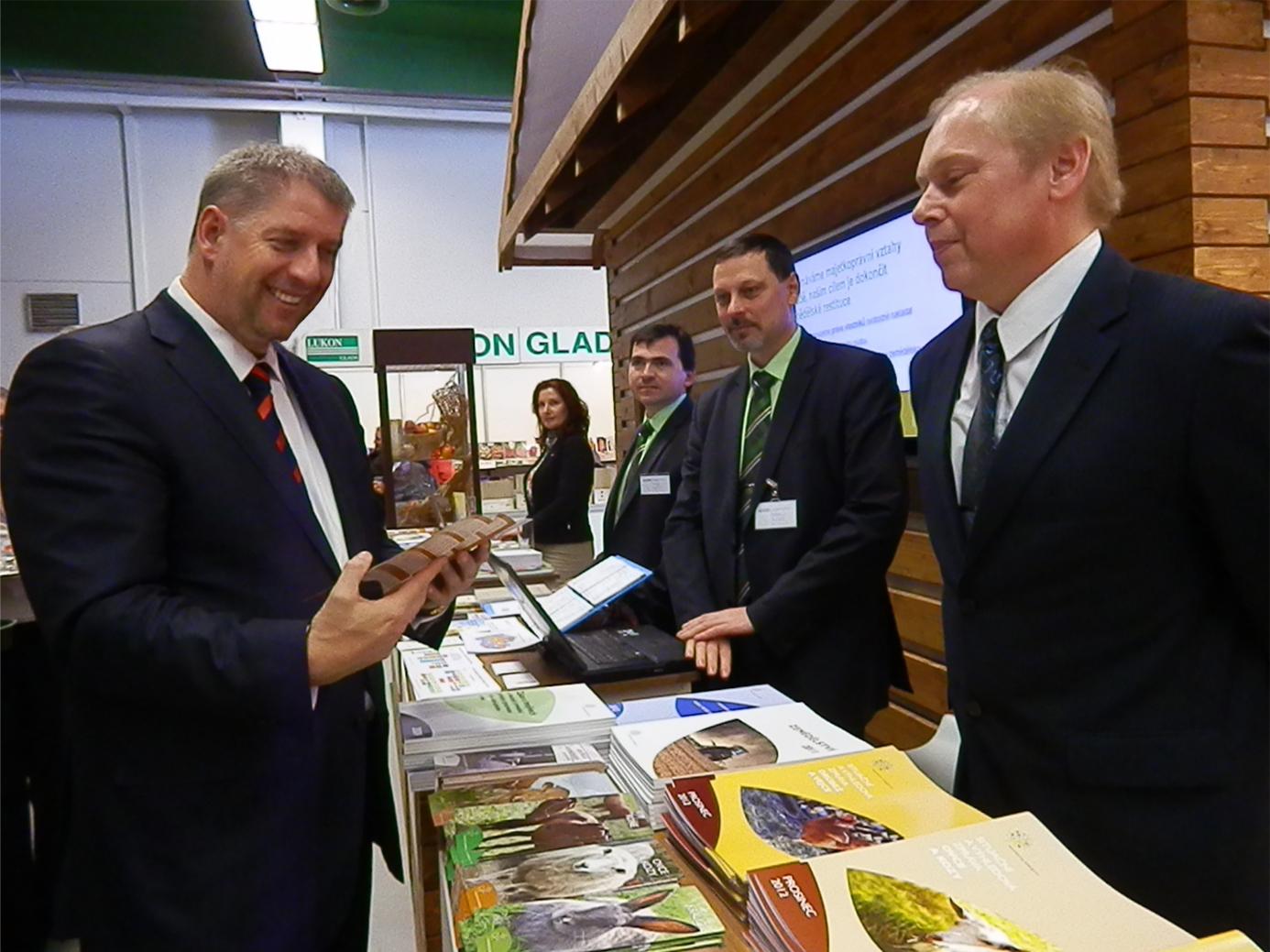 Ministr Bendl na výstavě Zemědělec 2013